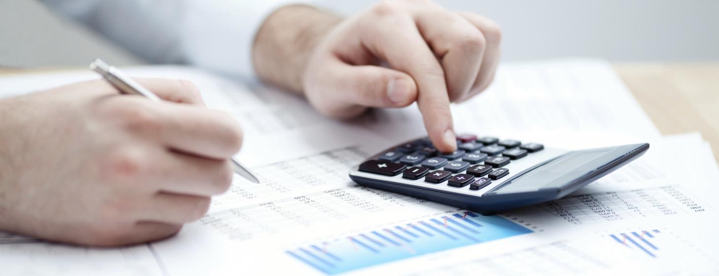 business-invoices-management-cash-flow